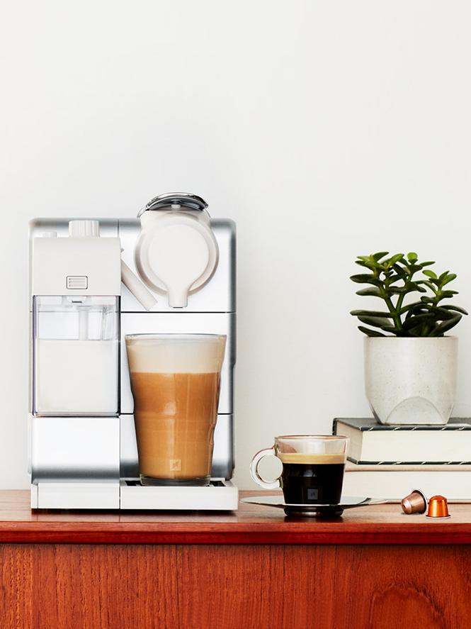 100%NEW Nespresso Lattissima Silver coffee machine BOX